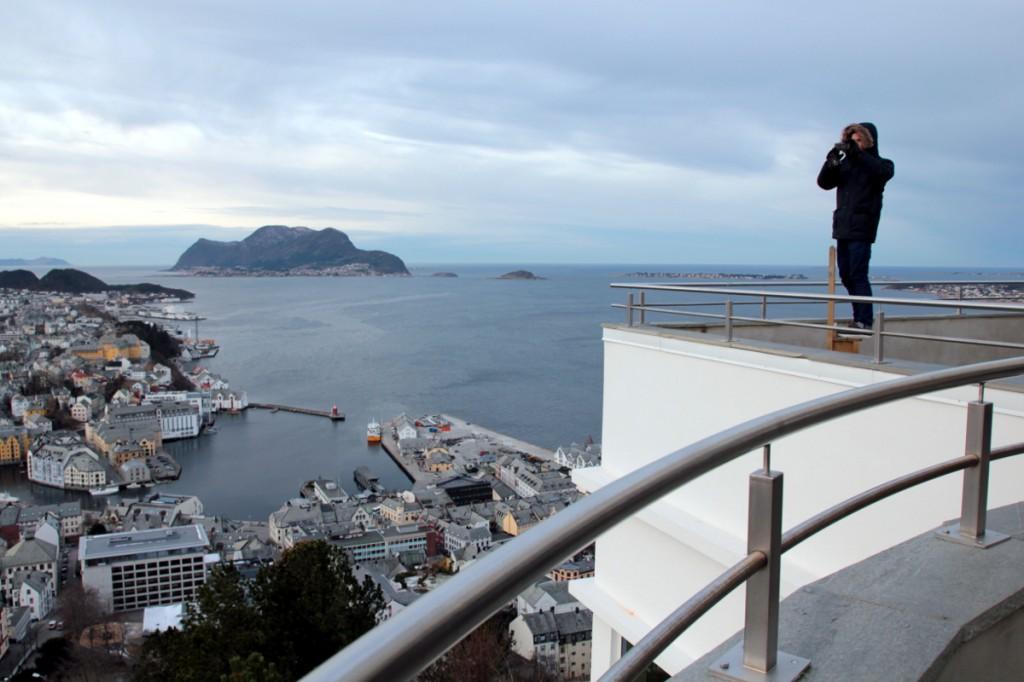 Auf dem Aussichtspunkt Fjellstua